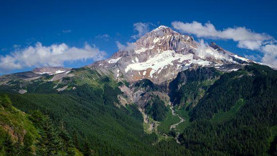 mount_hood_from_bald_mountain_flickr_thomas_shahan