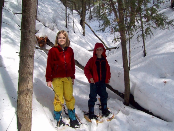 Snowshoeing around Fort Willow